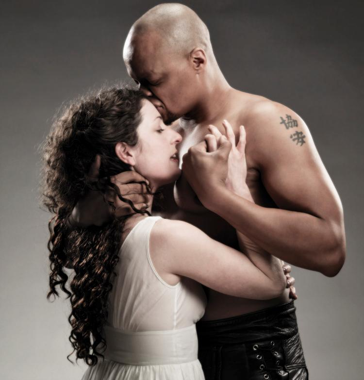 othello and desdemona relationship analysis